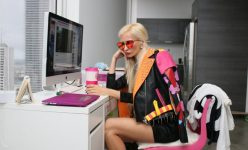 blogger-chair-clothes-756914-660x400